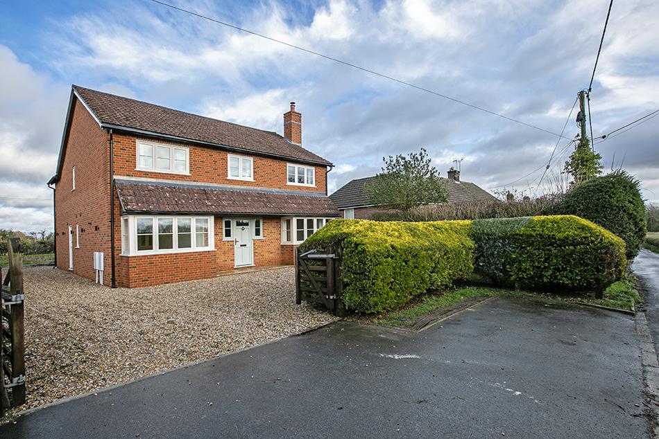 4 bedroom detached house, Dorchester Way, Greywell, Hook RG29