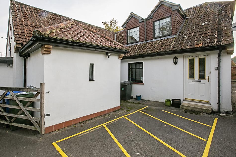 1 bedroom flat, Lees Hill, RG29