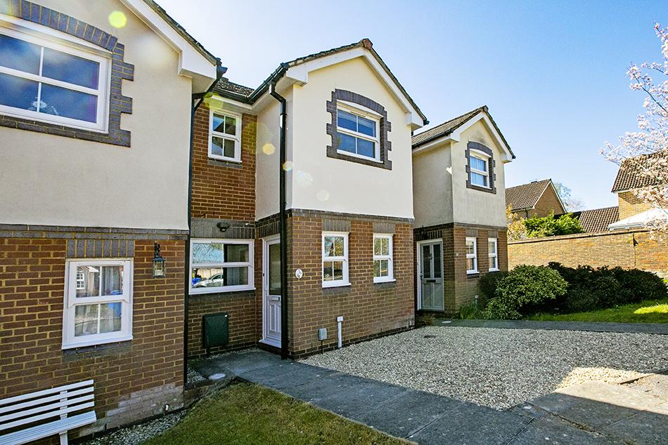 2 Bedroom Terrace, Hop Garden, Church Crookham, Fleet,GU52